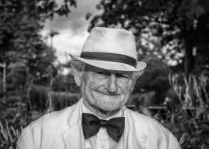 man-hat-portrait-old-man-160422.jpeg