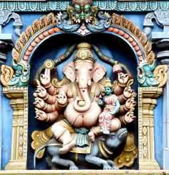 ganesha-parvathi-devi-madurai-meenakshi-amman-temple-161352.jpeg