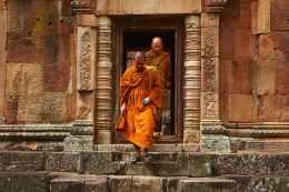 thailand-monks-temple-tourism-161183.jpeg