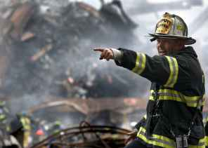 fireman-firefighter-rubble-9-11-70573.jpeg