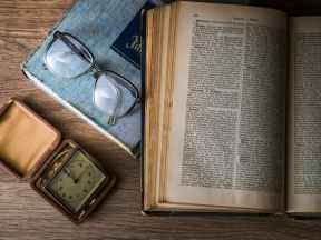 knowledge-book-library-glasses.jpg