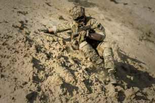 war-desert-guns-gunshow-163410.jpeg